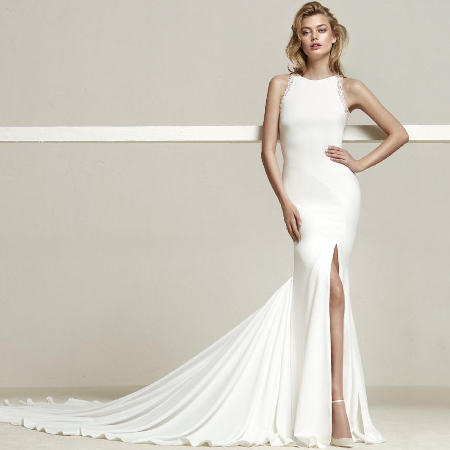 e24b2961e92ef17 Создаёт этот образ, конечно же, свадебное платье! Именно оно способно  сделать каждую девушку неповторимой, модной и запоминающейся.