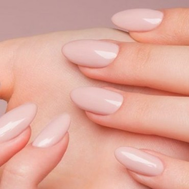 Модный маникюр 2018 фото цвет форма ногтя